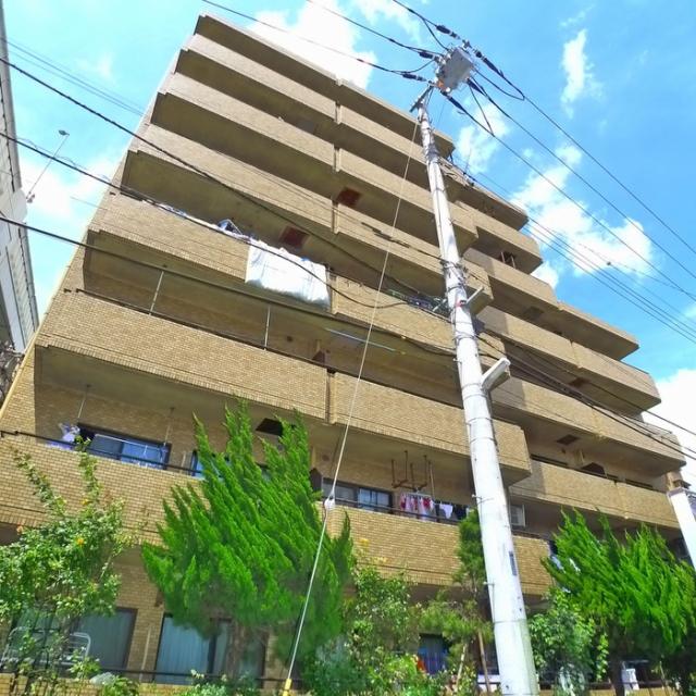 綾東ヴィレッジ壱番館 1階の外観